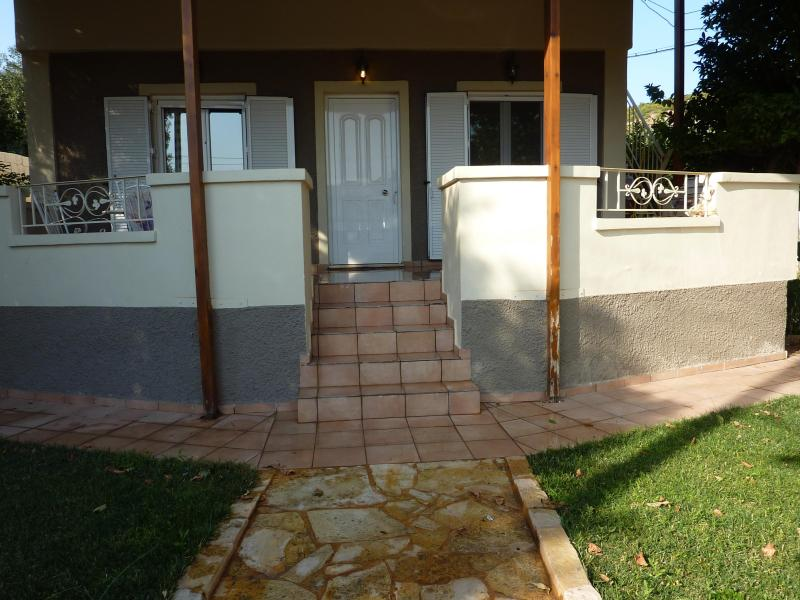 COSY VACATION HOUSE - Image 1 - Lagonisi - rentals