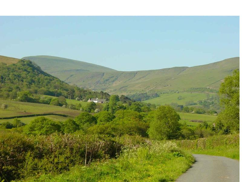 Approaching Carno Farm - Ty Carno Cottage Brecon Beacons National Park - Brecon - rentals
