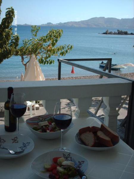 Al fresco dining overlooking Haraki Bay - Haraki Beach Apartment with magnificent views - Haraki - rentals