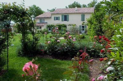 Villa Arles Villa in Provence for rent, Arles villa with pool to let, holiday rental in Arles France - Image 1 - Arles - rentals