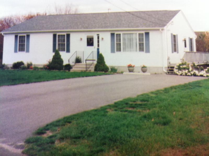 Front of the house - Charming Ranch - Westerly, RI 02891 - Westerly - rentals