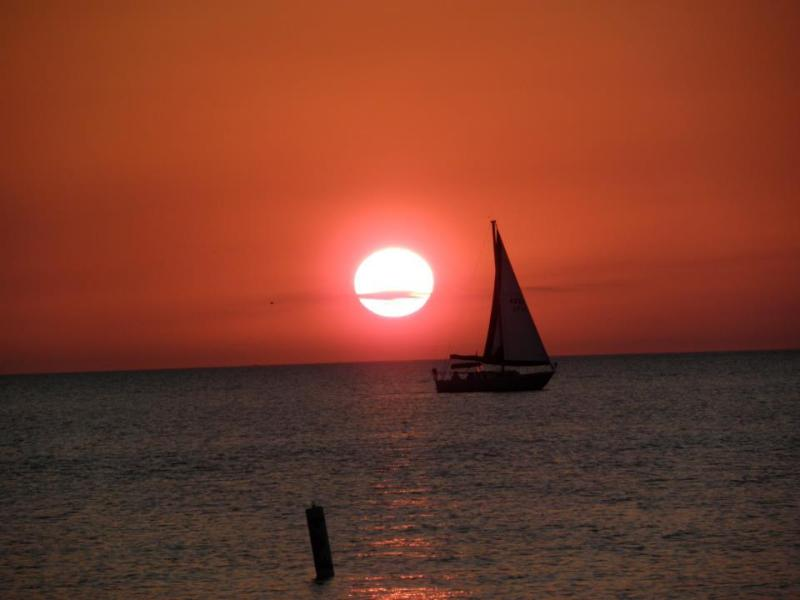 Beautiful sunsets from the lanai - Beautiful Newly Remodeled Beachfront Property! - Fort Myers Beach - rentals