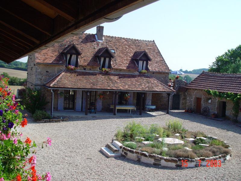"""VIEW OF ORIGINAL FARMHOUSE - EN LA MARRE APARTMENT """"PINOT BLANC"""" - BURGUNDY - Saint-Maurice-lès-Couches - rentals"""
