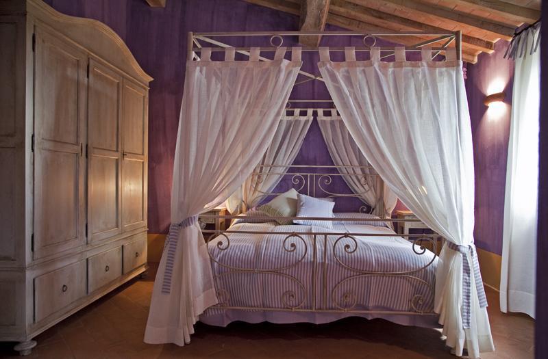 Lavender room (Double bedroom) - Casale Reggello Tuscany Vacation Rental - Montefollonico - rentals