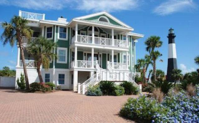Exterior Front of building - 102 Casa Verde - prices listed may not be accurate - Tybee Island - rentals