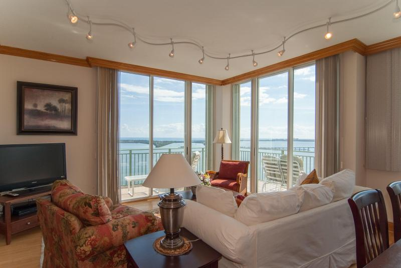 Amazing ocean view from the wrap around balcony - Luxury Ocean View Penthouse in Heart of Miami - Coconut Grove - rentals