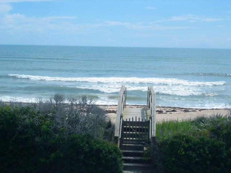 View from balcony - Charming Oceanfront home sleeps 8 in NewSmyrna BCH - New Smyrna Beach - rentals