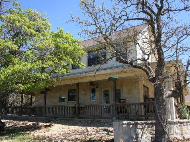 Grandmother's Porch - Image 1 - Fredericksburg - rentals