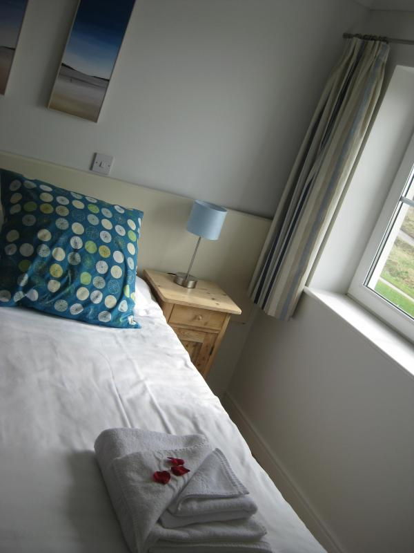 Master Bedroom - Waves 17 Watergate Bay - 4* apartment - Cornwall - rentals