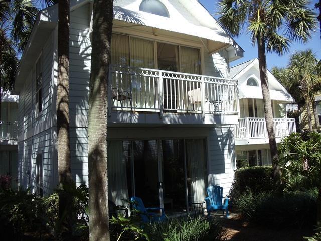 Nantucket Cottages - Destin Beach Cottage: 3 min stroll to beach access - Destin - rentals