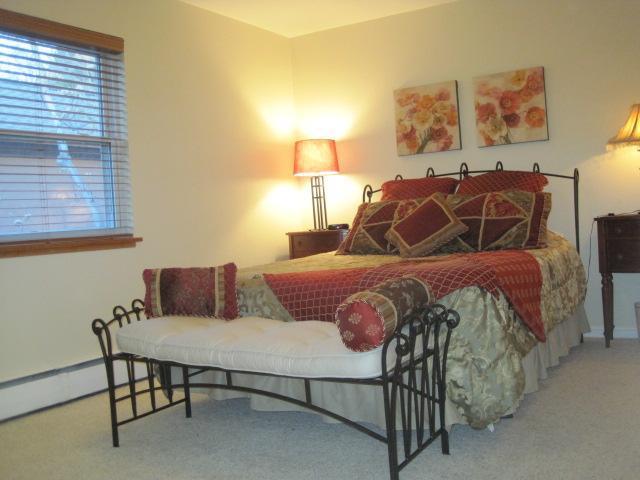 Tempur-Pedic Queen Bed - One Bedroom Apartment - Prime Downtown Location - Boulder - rentals