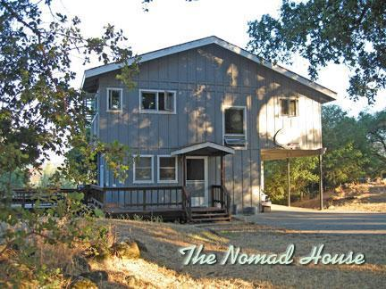 Front of house - The Nomad House - Grass Valley - rentals