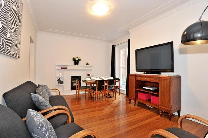 50 inch TV with DVD Player - CERTIFICATE OF EXCELLENCE 2014| Double Bay |Sydney - Sydney - rentals