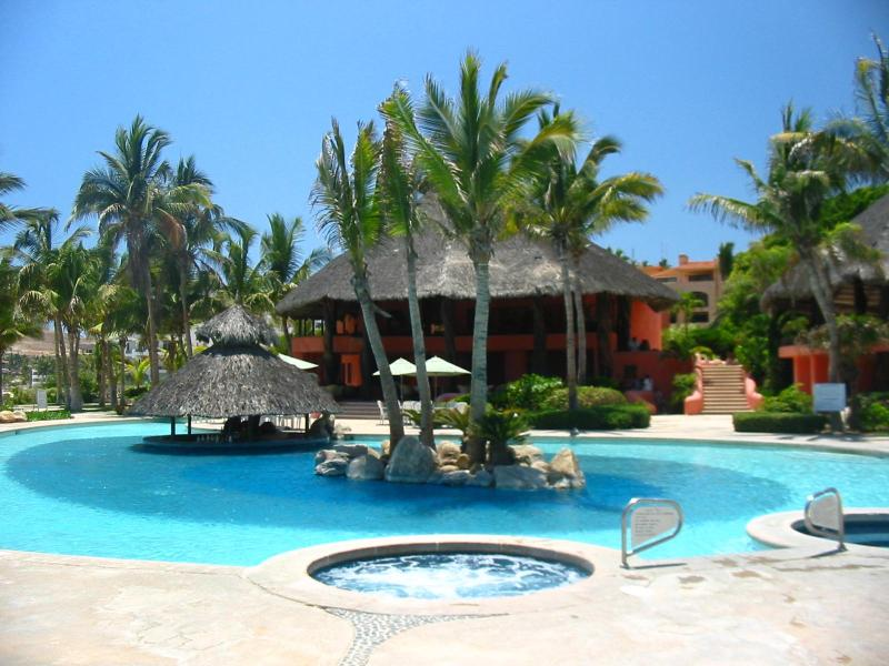 BelAir Resort / Main Swimming Pool with Jacuzzi Circles - BelAir Resort Luxury Villas in San Jose del Cabo - San Jose Del Cabo - rentals