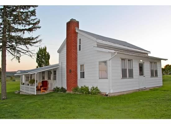 1880's Farm House - 1880's Farm House: 2 acres, pond, mountain views - Canajoharie - rentals