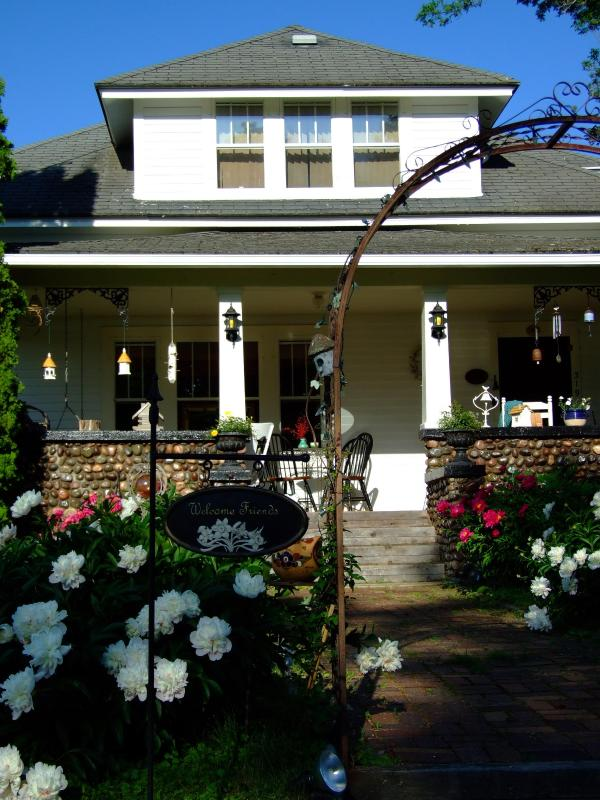 Front of Cobblestone Bed and Breakfast - Cobblestone B&B - Birchwood - rentals