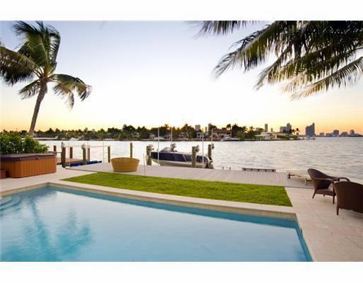Paradise Villa 4 bd Waterfront  w pool South Beach - Image 1 - North Miami Beach - rentals