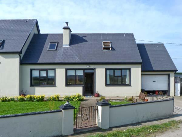 RAHONA ROOTS, single storey cottage, with two bedrooms, multi-fuel stove, and two gardens, close to Carrigaholt, Ref 9244 - Image 1 - Carrigaholt - rentals