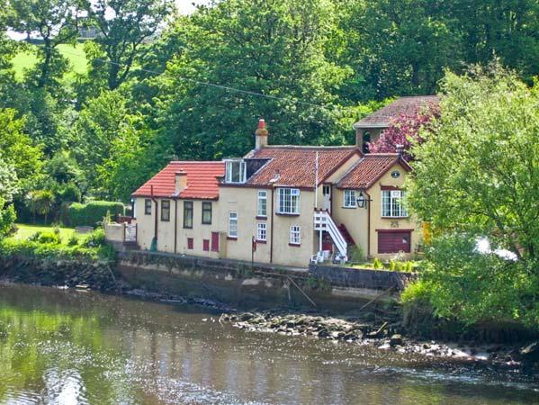 WATERLOO COTTAGE ANNEXE river side location, pet friendly cottage in Ruswarp Ref 12240 - Image 1 - Ruswarp Near Whitby - rentals