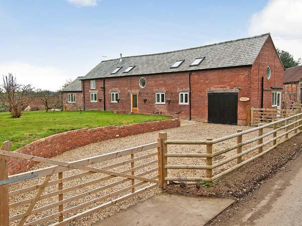 THE BARN luxury, double woodburner, barn conversion in St Martins near Chirk, Ref 14125 - Image 1 - Ellesmere - rentals