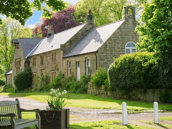 THE OLD SCHOOL ROOM, single-storey, country cottage, lawned garden in Longhorsley, Ref: 13778 - Image 1 - Longhorsley - rentals