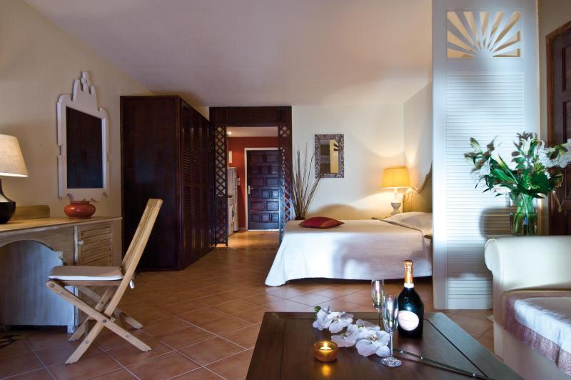 The Interior (night ambiance) - Luxury studio Sea View in Orient Bay - Orient Bay - rentals
