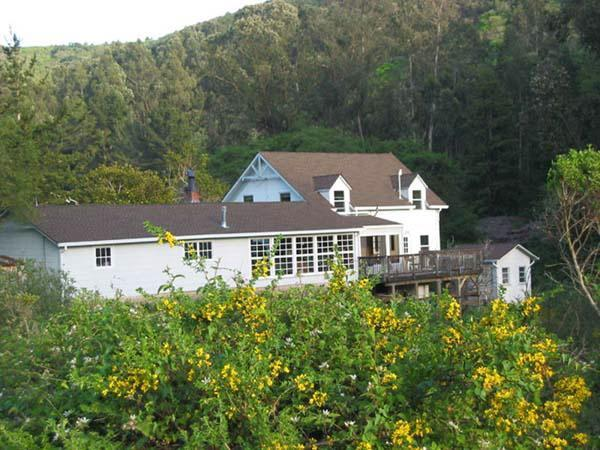 View from the road - Peaceful Coastside Canyon Retreat - Half Moon Bay - rentals