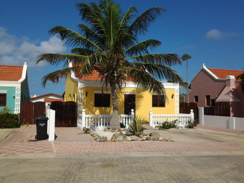 welcome to Aruba - 2 bedroom Cunuku home in Paradise! - Noord - rentals