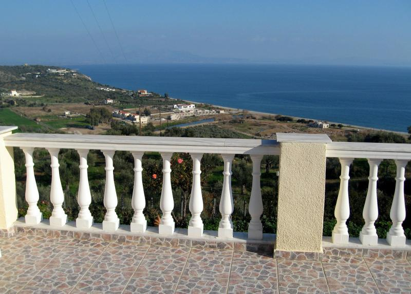 Spacious house with spectacular views of the sea! - Image 1 - Gythion - rentals
