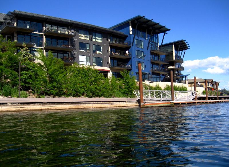 CDA Luxury 2/2 Waterfront Condo- free wi-fi - Image 1 - Coeur d'Alene - rentals
