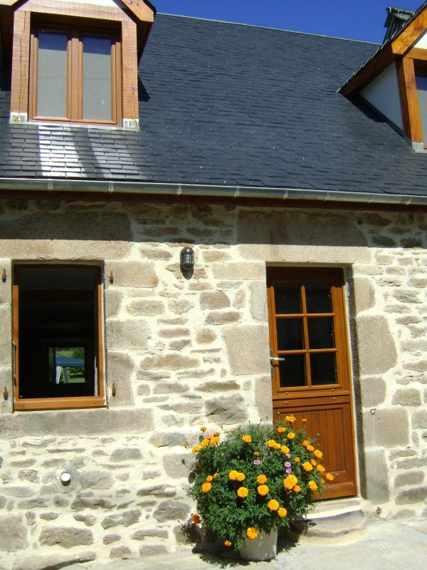 Wonderful Renovated Stone Cottage in the Correze - Image 1 - Affieux - rentals