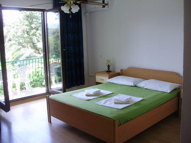 ROOM 3 - 3bedrooms apartment 6-8 people Villa Welcome - Vrboska - rentals