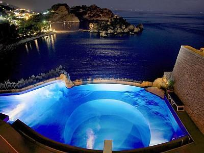 Night view of the pool and Isola Bella - El Paraíso-Right in front Isola Bella Taormina - Taormina - rentals
