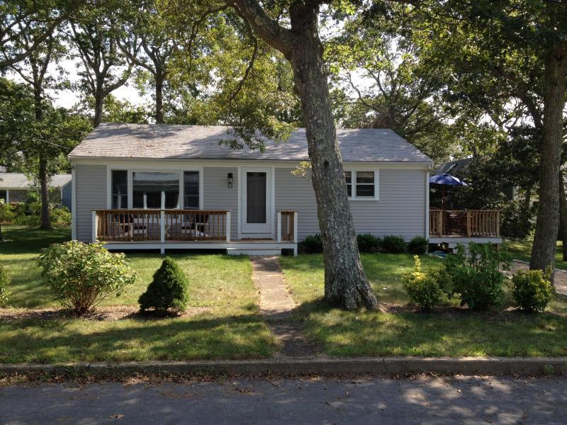Front - Comfy 3 Bd Vineyard Home - 1/2 Mile To Beach - Vineyard Haven - rentals