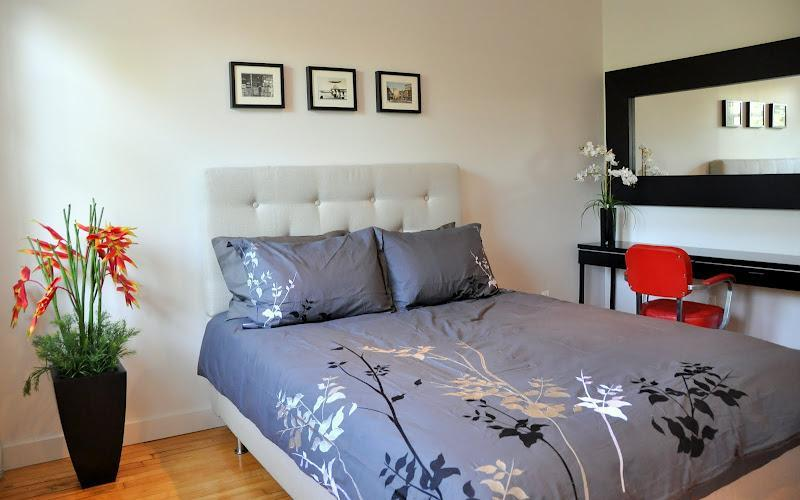 CHIC 4 BEDROOM COTTAGE on PLATEAU parking + garden - Image 1 - Montreal - rentals