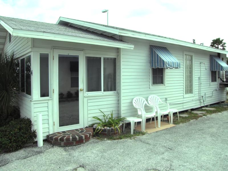 Private Beach Cottage - Image 1 - Indian Rocks Beach - rentals