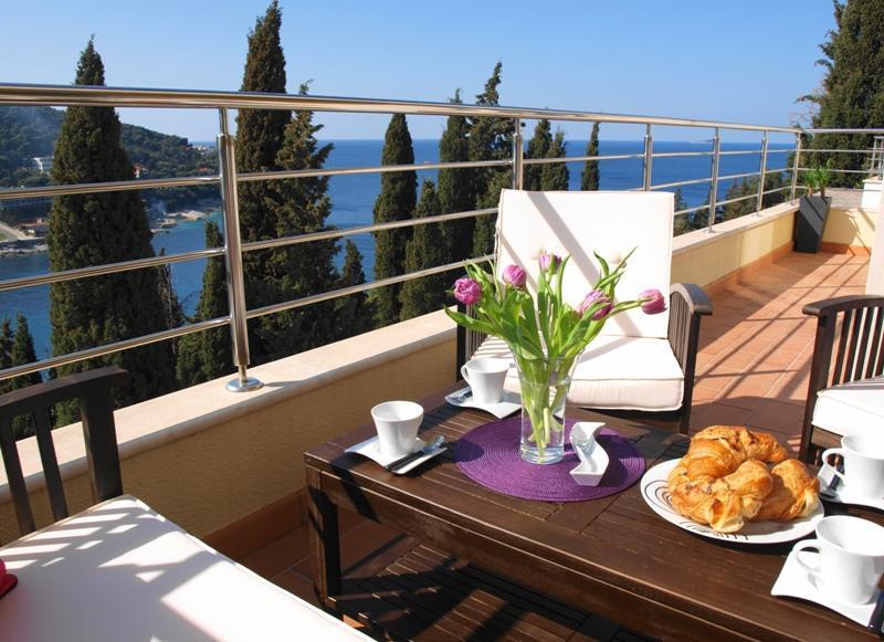 Reve Bleu - Fantastic Seaside 2BR with Parking! - Image 1 - Dubrovnik - rentals