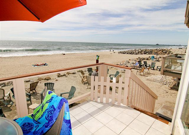 Wonderful Condo on the Sand with Semi-Private Beach, Balcony, Fireplace - Image 1 - Oceanside - rentals
