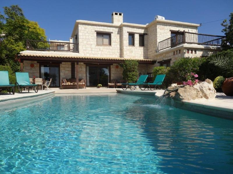 Front Villa, with spacious areas for sunbathing - Luxury 5* 4-Bed Stone Villa in Peyia, Coral Bay - Peyia - rentals