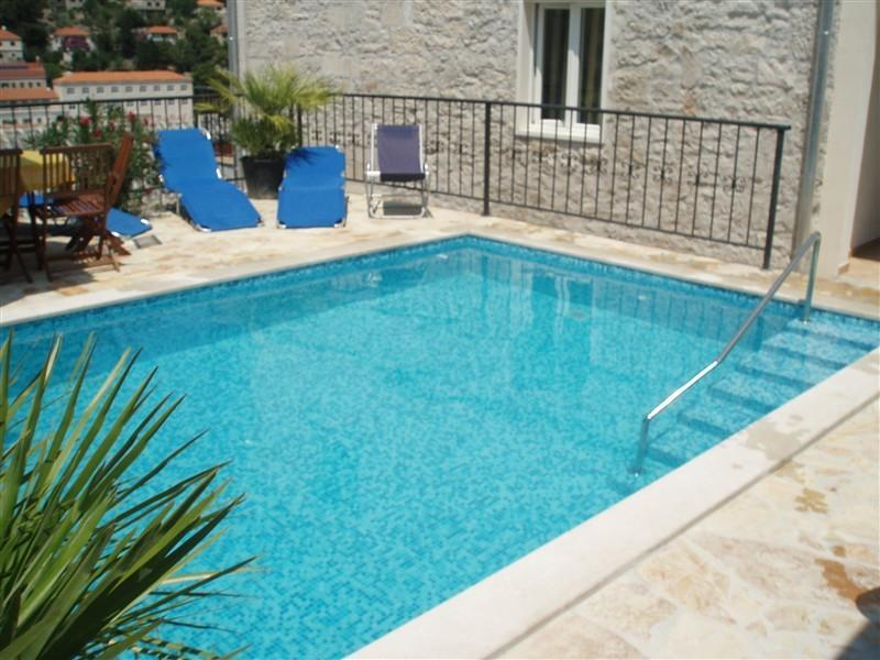 Romantic, family villa maid/pool - Image 1 - Brac - rentals