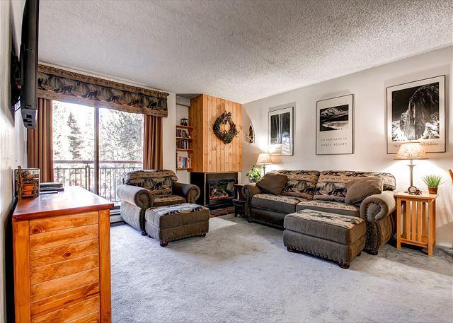 Trails End Living Room Breckenridge Ski-in/Ski-Out Lodging Condo - Trails End 208 Ski-in/Ski-out Condo Downtown Breckenridge Lodging - Breckenridge - rentals