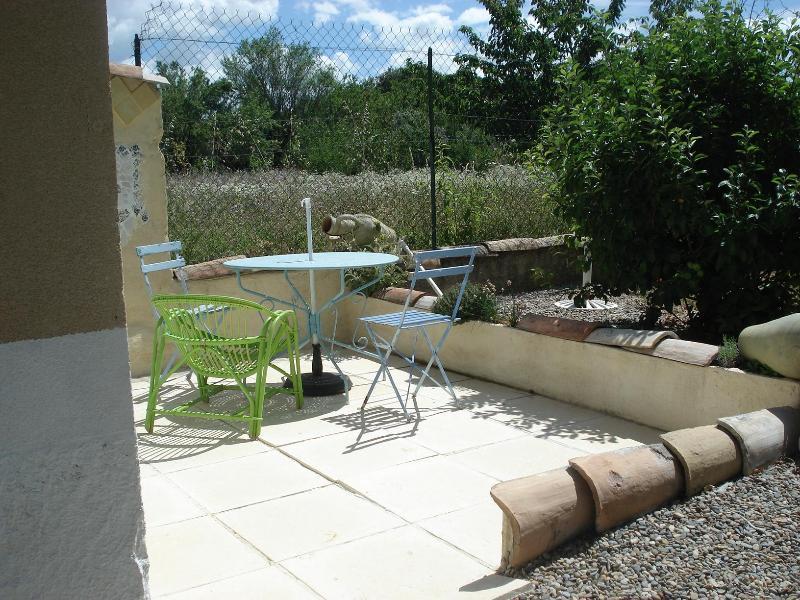 Private terrace - Small Cottage, Near Mt Ventoux/ Vaucluse - Carpentras - rentals