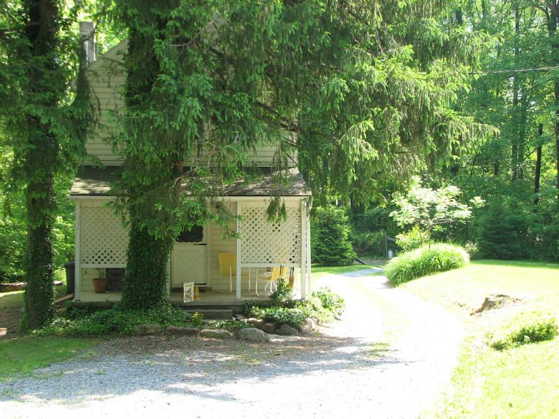 The Gatehouse at Loudon Forge - Image 1 - Fort Loudon - rentals
