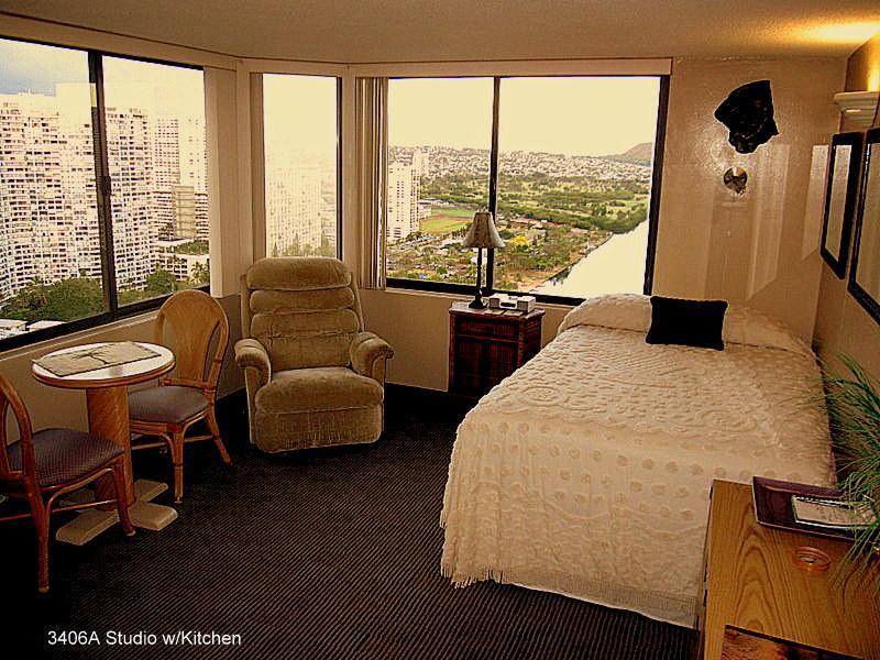 A-Unit from entry - Deluxe Waikiki Adjoining Studios w/kitchen sleeps6 - Honolulu - rentals