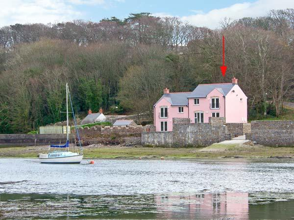 CURLEW, waterside property, access to slipway, en-suites, luxury accommodation in Black Bridge near Milford Haven, Ref 14393 - Image 1 - Milford Haven - rentals