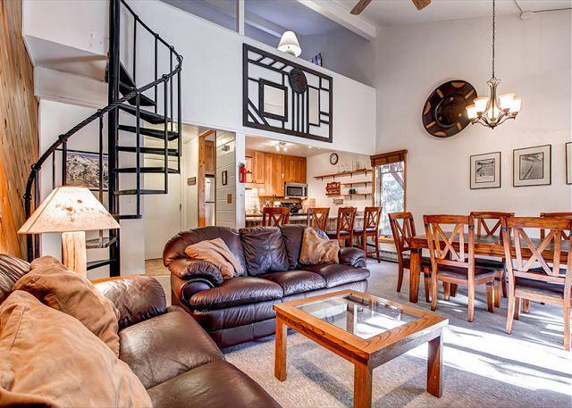 Motherlode Condo Living Room Breckenridge Lodging Vacation Renta - Motherlode A-11 Condo Downtown Breckenridge Colorado Vacation - Breckenridge - rentals