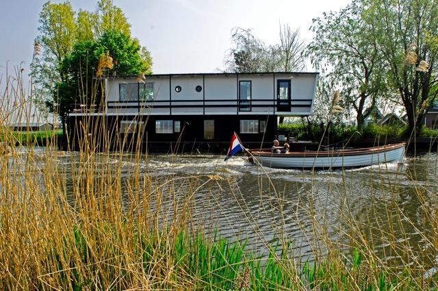Houseboat/Watervilla more Dutch you can not get! - Image 1 - Oost-knollendam - rentals