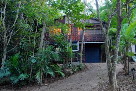 Architect's tropical treehouse Cairns - Image 1 - Cairns - rentals