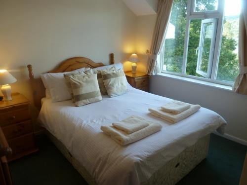 BEECH HOW COTTAGE, Windermere - Image 1 - Bowness & Windermere - rentals