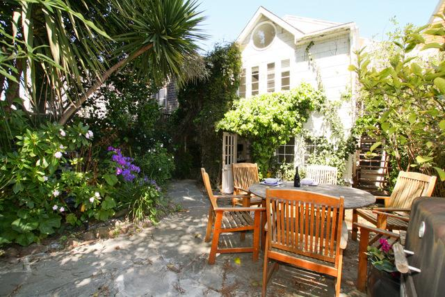 Garden suite with dining area and hot tub - Noe Oasis with hot tub - San Francisco - rentals